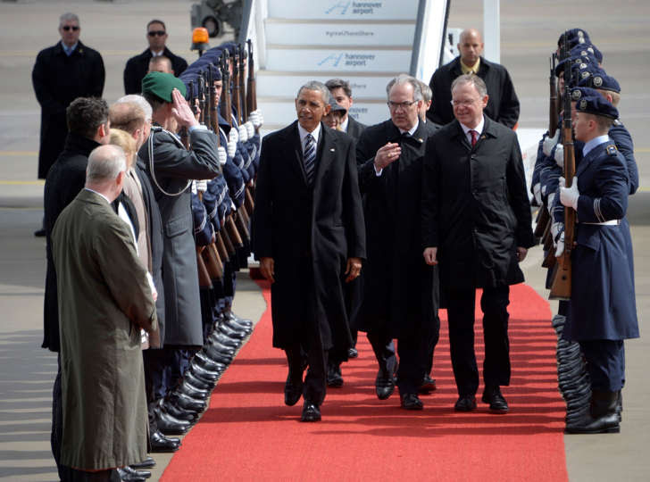 U.S. President Barack Obama is welcomed after his arrival at Hanover airport, Germany April 24, 2016.