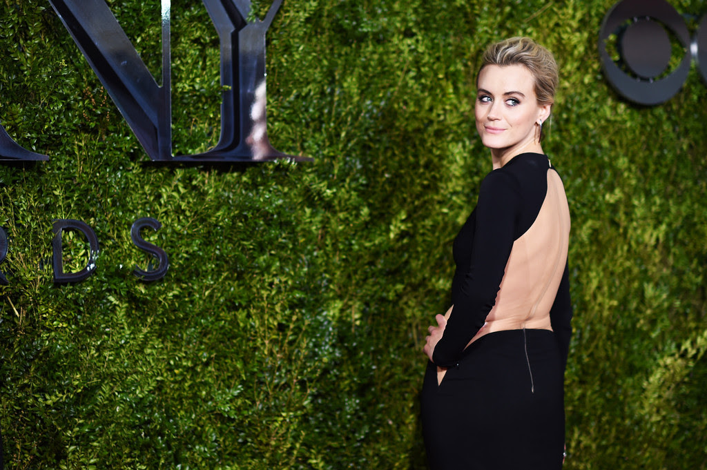 http://www1.pictures.zimbio.com/gi/Taylor+Schilling+2015+Tony+Awards+Alternative+8WVhTLmbRIrx.jpg