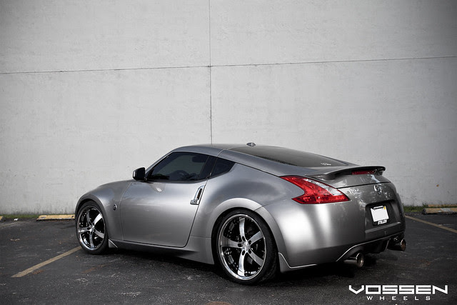 Nissan 370Z with Vossen VVS-084 Wheels