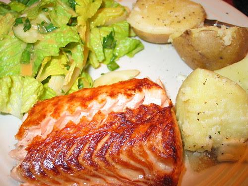 Broiled salmon, yukons, salad w/tomato ginger dressing