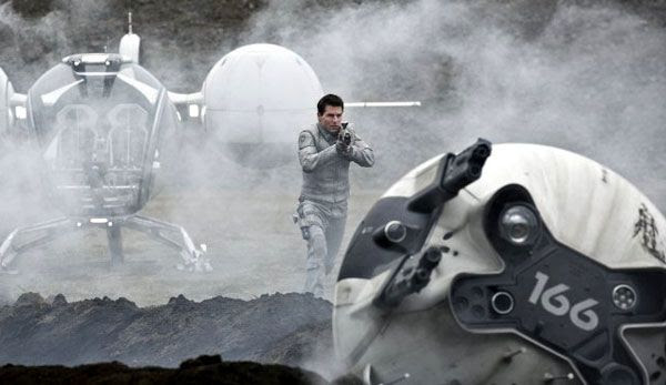 Jack (Tom Cruise) attempts to repair an unmanned drone in OBLIVION.