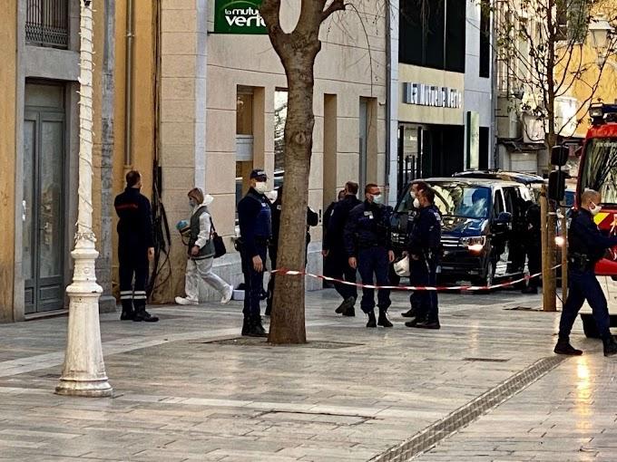 Γαλλία : Ο δράστης που πέταξε το κομμένο κεφάλι στο δρόμο φώναζε συνθήματα για τον Διάβολο