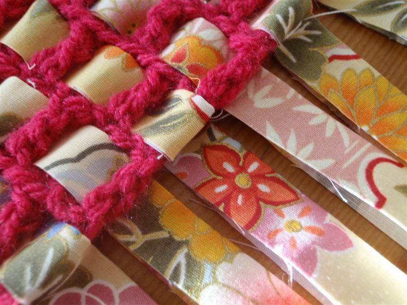 Tecido japonês e crochê rosa