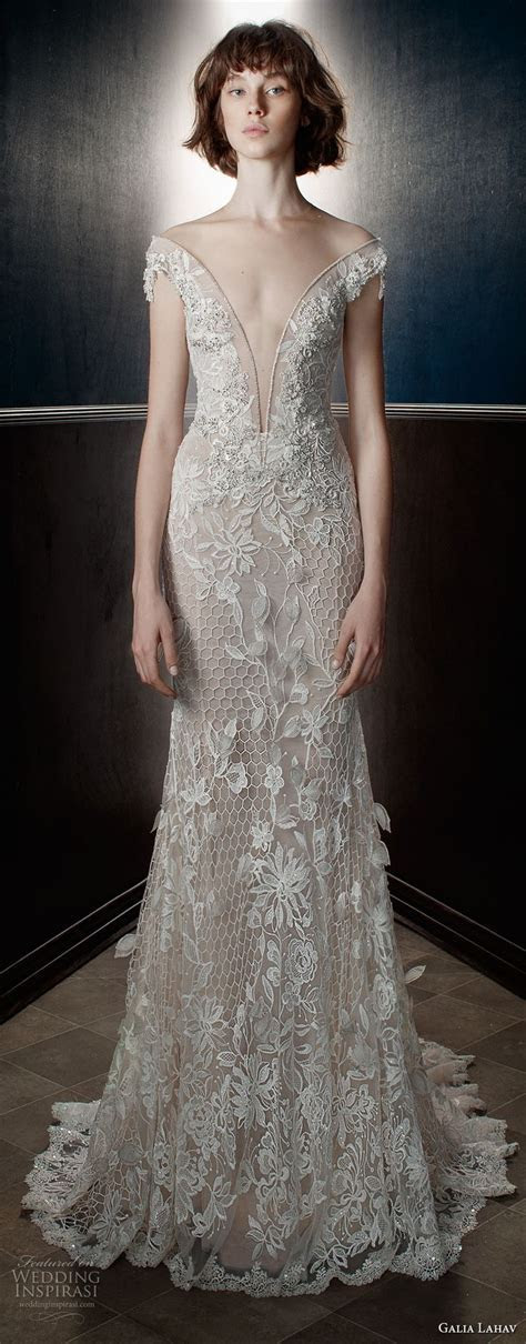 25  best ideas about White Gowns on Pinterest   Sleeved
