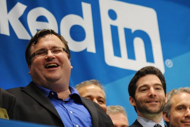 Reid Hoffman (à gauche) est lefondateur de LinkedIn.... (PHOTO AFP)