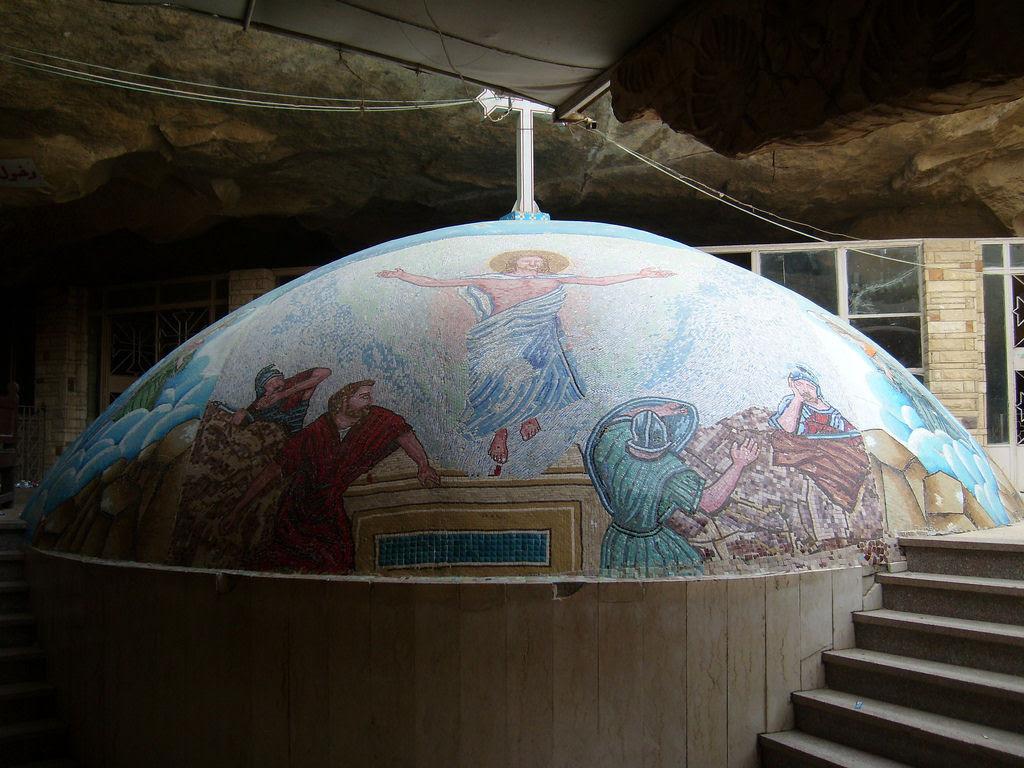 A incrível Igreja da Caverna dos Zabbaleens no Cairo 06