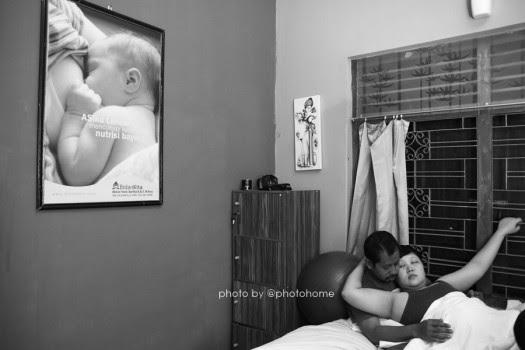Home birth artinya persalinan yang dilakukan di rumah Faktor Risiko Home Birth Hal Yang Dapat Membuat Anda Harus di Rujuk Ke Rumah Sakit