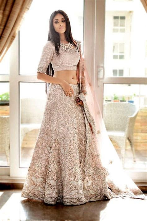 Long loose hairstyle for lehenga choli   traditional chic