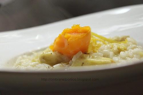 Risotto con asparagi uovo e limone