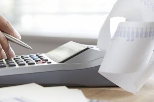 Δόσεις από 50 ευρώ για χρέη προς τα ταμεία – Άτυπη τακτοποίηση για την αποφυγή κατασχέσεων και την είσπραξη οφειλών