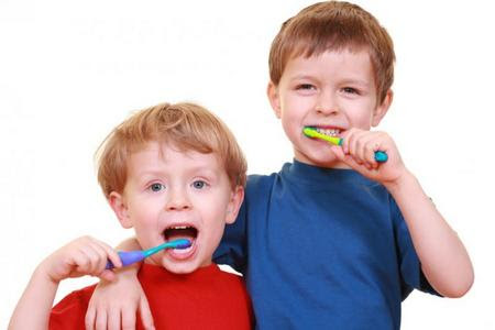 http://www.tuttomamma.com/wp-content/uploads/2009/12/dental-care.jpg