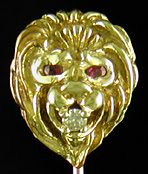 Fierce lion with diamond stickpin. (J9467)