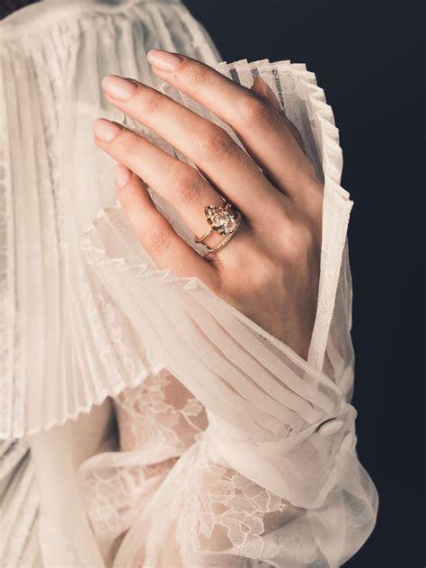 25  best ideas about Pear Shape Fashion on Pinterest