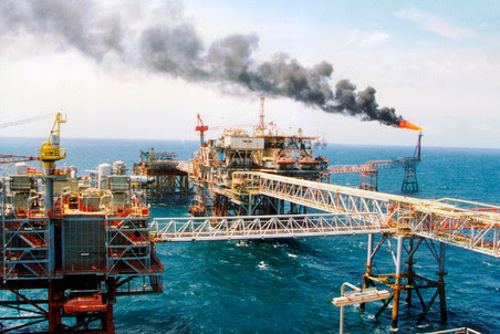 Владимир Путин пообещал допустить к освоению шельфа частные российские нефтяные компании