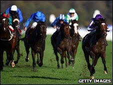 St Nicholas Abbey winning the Racing Post Trophy in October 2009