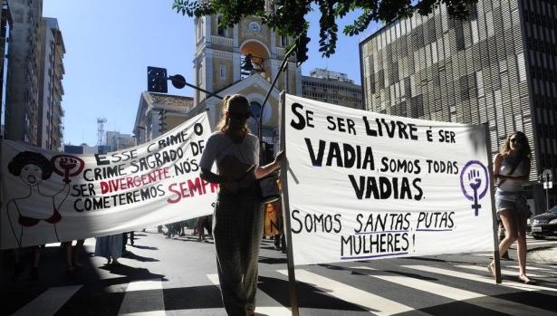 """Marcha das Vadias: """"Somos santas putas"""""""