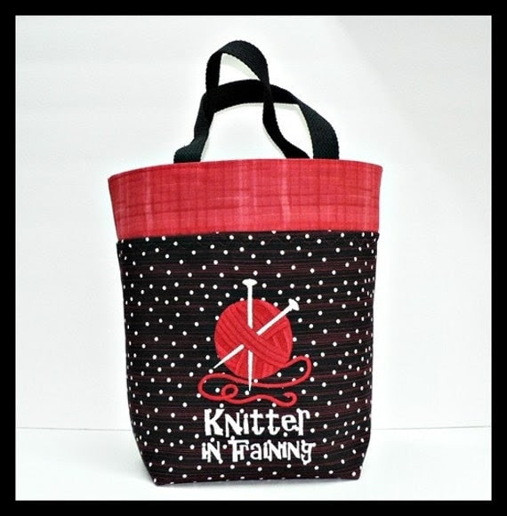 "Knittin bag. Embroidery ""knitter in training'"