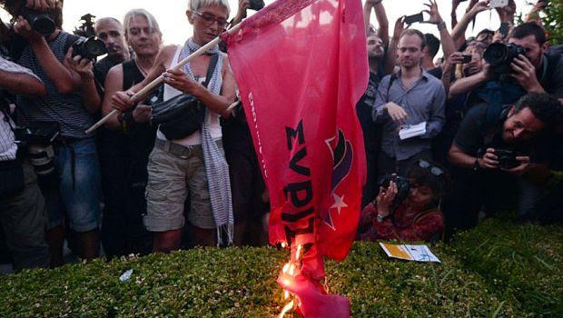 Non ci trasformeremo in una colonia dell'Ue. L'accoglienza di Atene a Tsipras
