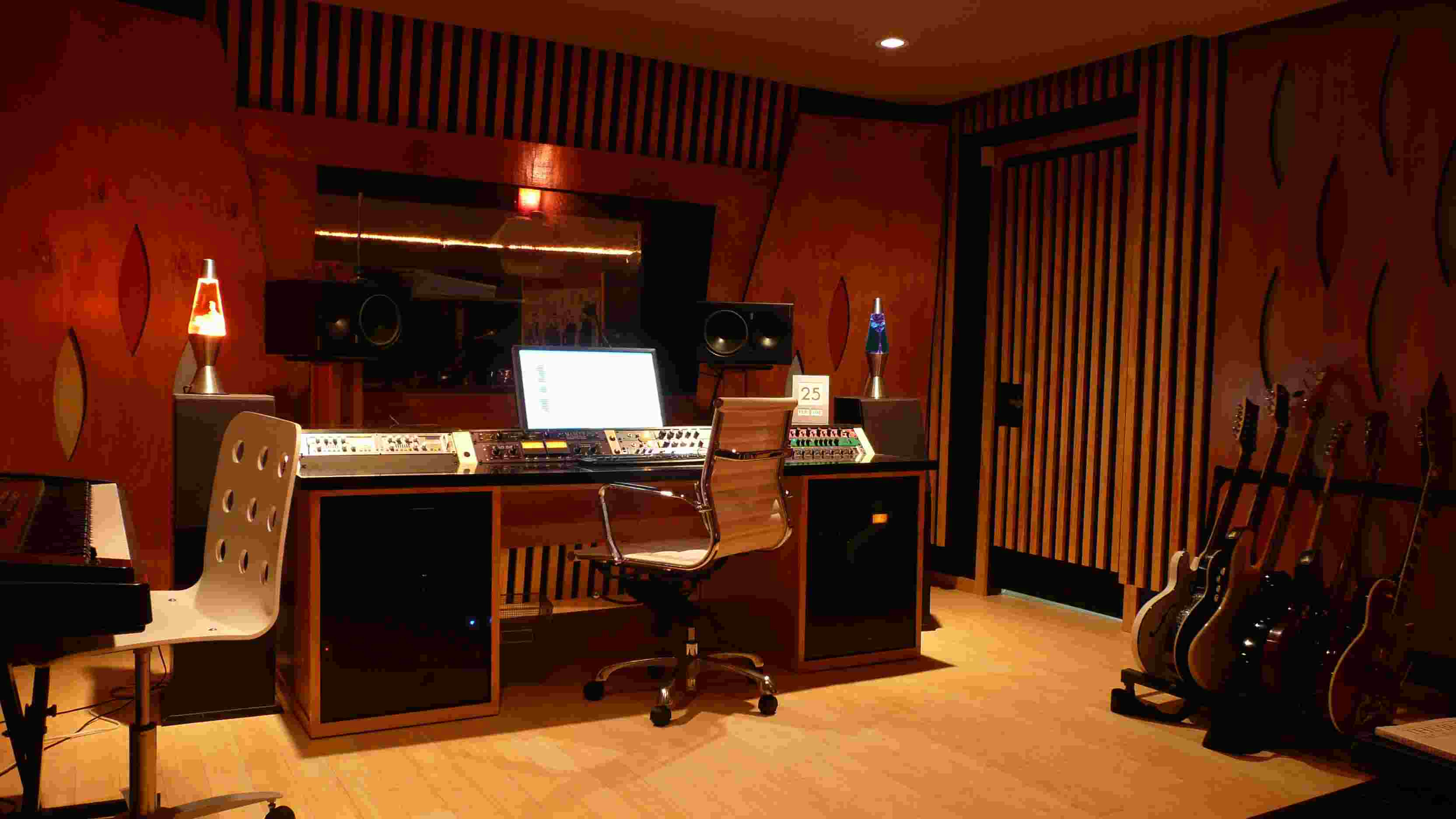 Lighting in a musical studio | Minimalisti.