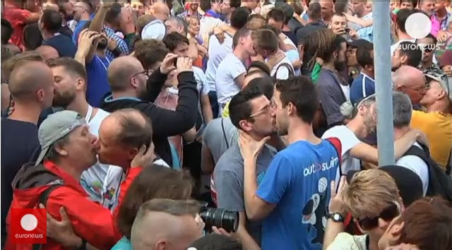 Gay Rights Activists Stage Kiss-In Protest In Front Of Russian Consulate In Antwerp, Belgium (Video)