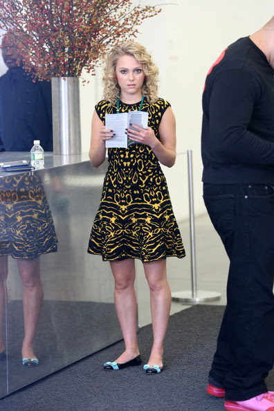 AnnaSophia Robb AnnaSophia Robb stops by the New Museum to take in some contemporary art before filming 'The Carrie Diaries' in NYC. Later in the day, actress Lindsey Gort arrived on the set with a cup of coffee.