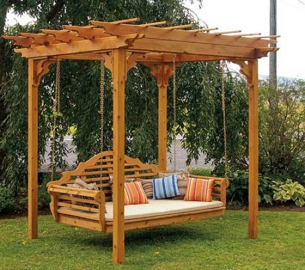 DIY-Backyard-Pergola-WooHome-10