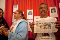 Martha Alicia Rincón  Márquez y José Luís Castillo, padres de la niña Esmeralda Castillo  Rincón, desaparecida en mayo de 2009 en Ciudad Juárez. Foto: Miguel  Dimayuga