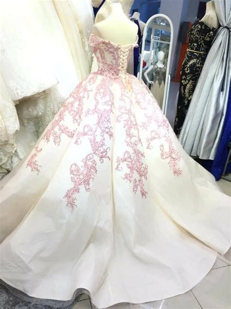 Jhoan's Bridal Gown by Velena Gowns Boutique   Couturier