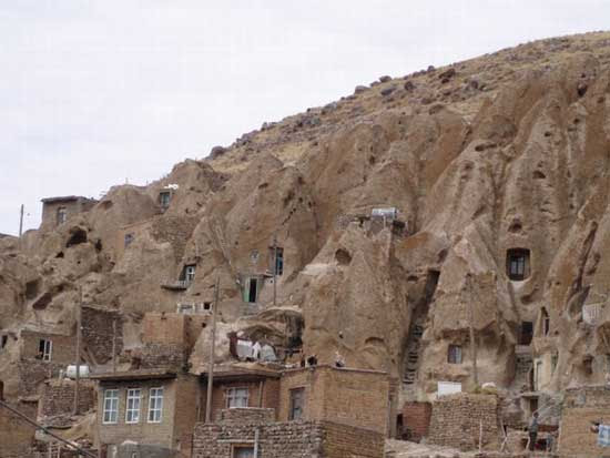 Kandovan, χωριό στους βράχους