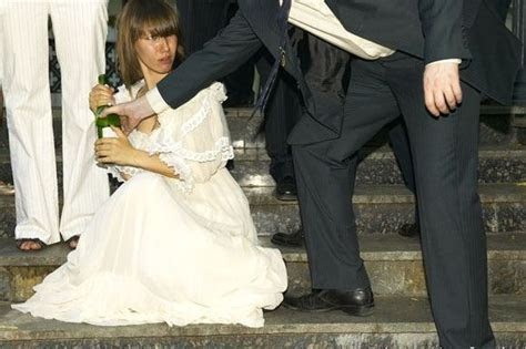 Funny Wedding Pictures: Bride Cousin Joeleana's Regrets
