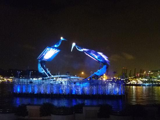 The Amazing Crane Dance Show in Sentosa Island