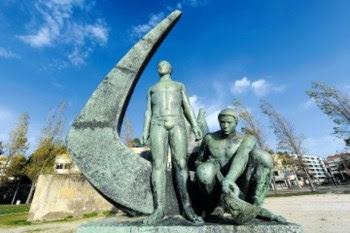 A estátua ao Tripeiro evoca um dos mais conhecidos mitos da cidade, acerca da origem das tripas à moda do Porto