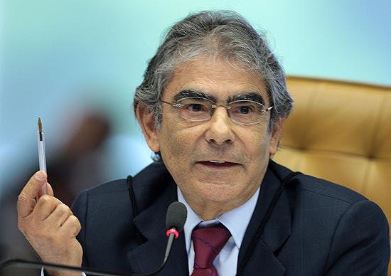 Ministro Ayres Britto durante o julgamento da Lei da Ficha Limpa; maioria do Supremo votou pela validade da regra nas eleições