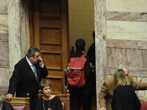 Βουλή: 'Κρύφτηκαν` οι ΑΝΕΛ! Ούτε ένας ομιλητής για την υπεράσπιση του ασφαλιστικού!