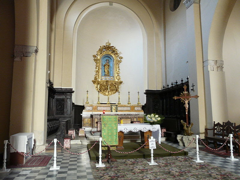 Fil: Acquapendente-Basilica San Sepolcro-altare.jpg
