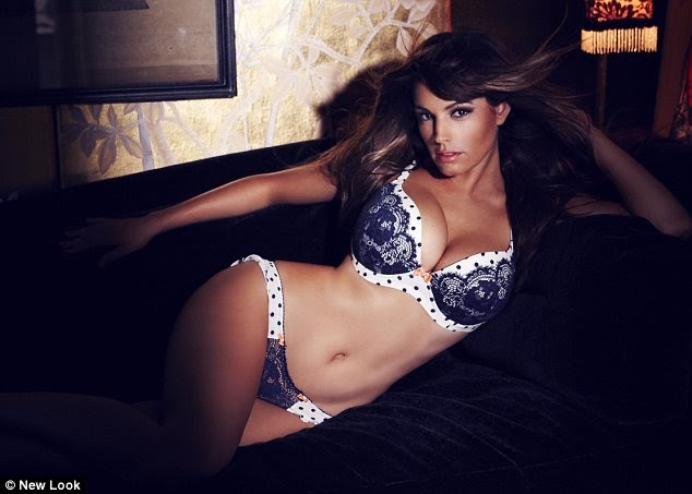 a7406650748 KATCHING MY I  Kelly Brook in sizzling lingerie shoot for New Look shows  off sleek hair and dark tan