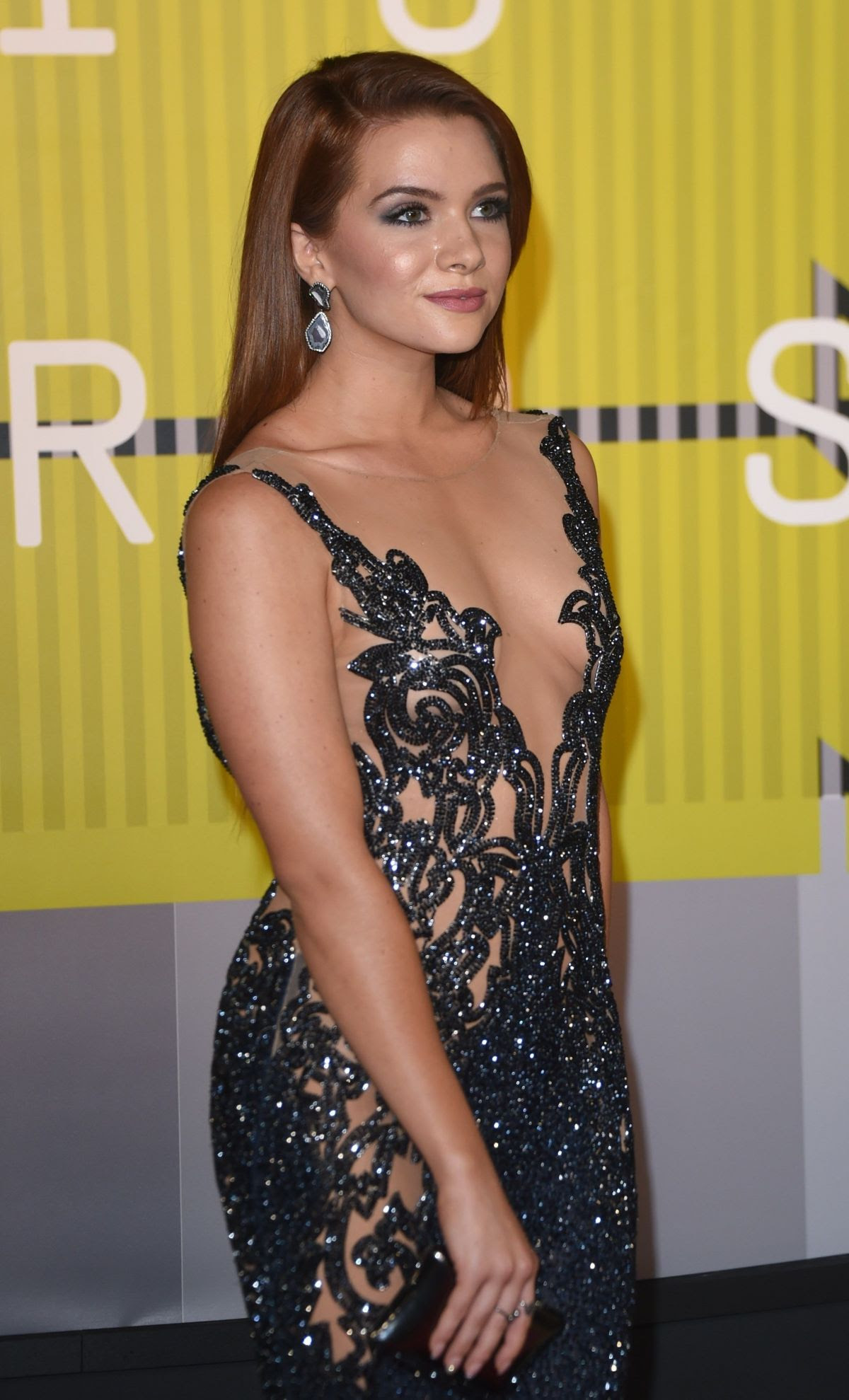 http://www.celebzz.com/wp-content/uploads/2015/08/katie-stevens-at-2015-mtv-video-music-awards_8.jpg