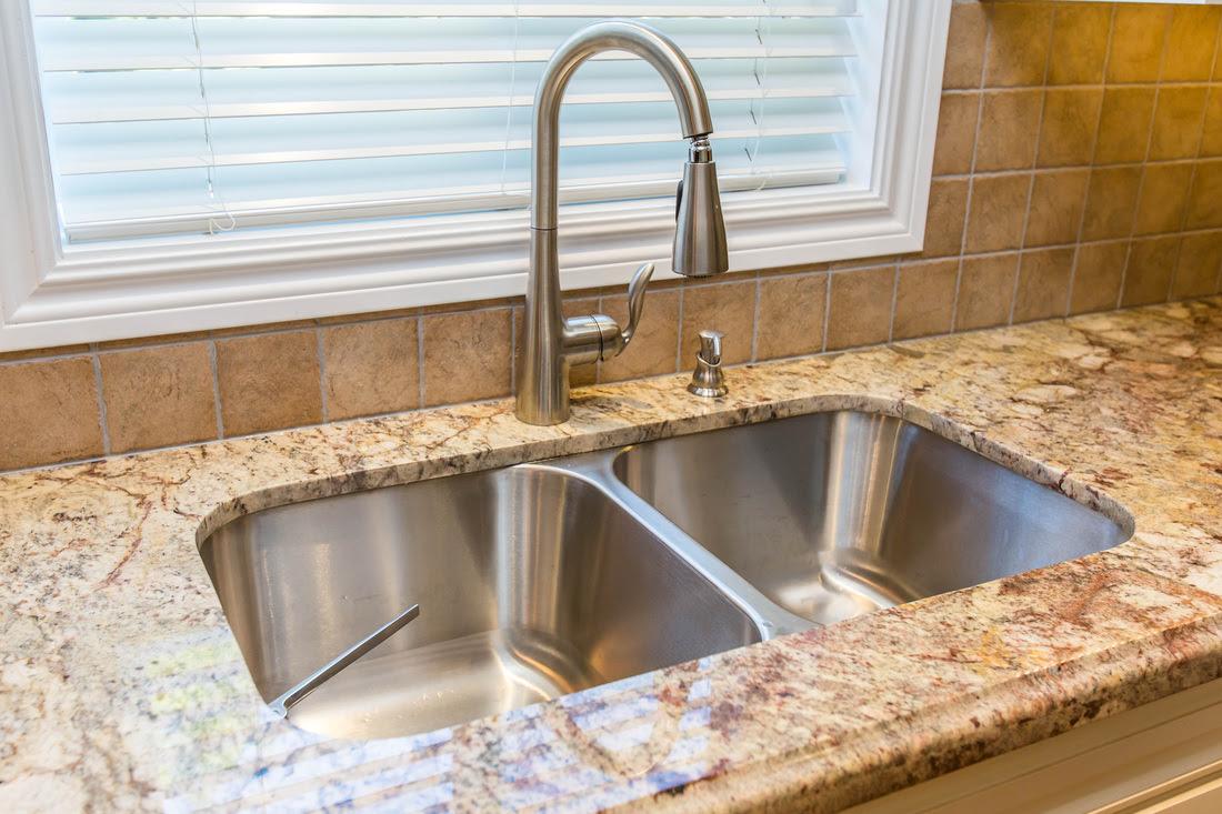 Custom Kitchen renovation in Thornhill - Canadiana ...
