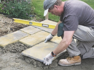 How to lay paving slabs on a driveway or patio
