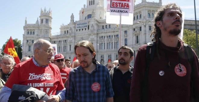 El líder de Podemos Pablo Iglesias asiste a la manifestación del Primero de Mayo. EFE/Paco Campos