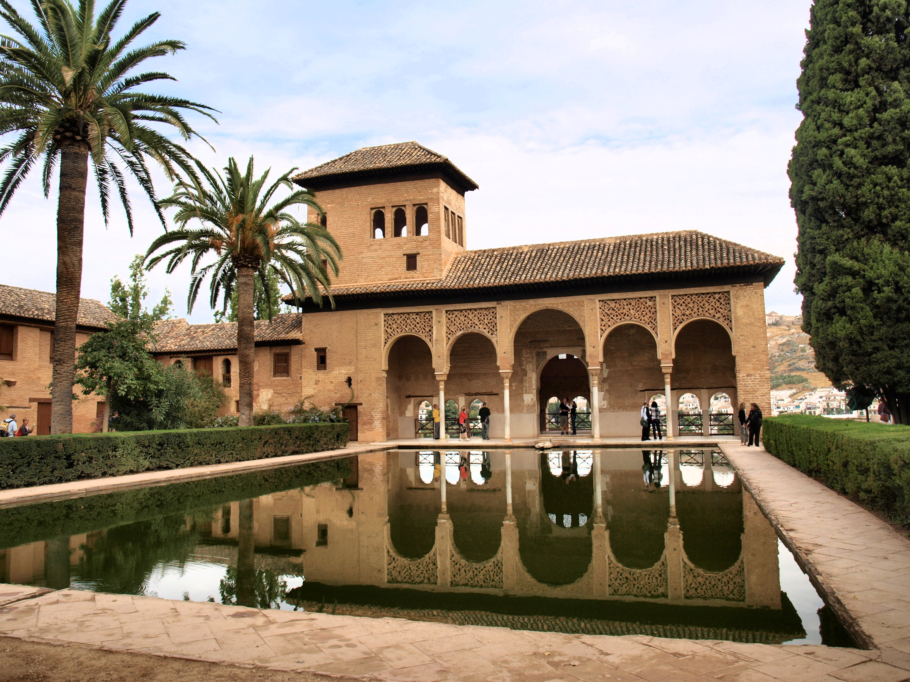 http://upload.wikimedia.org/wikipedia/commons/0/0c/El_Partal_Palace,_Alhambra,_Spain.JPG