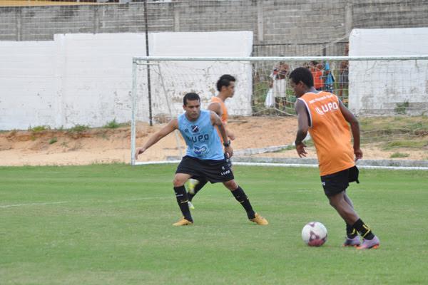 O ala do alvinegro treinou bem e mostrou que está em condições de suportar o jogo inteiro diante do Guarani, hoje, pela Série B