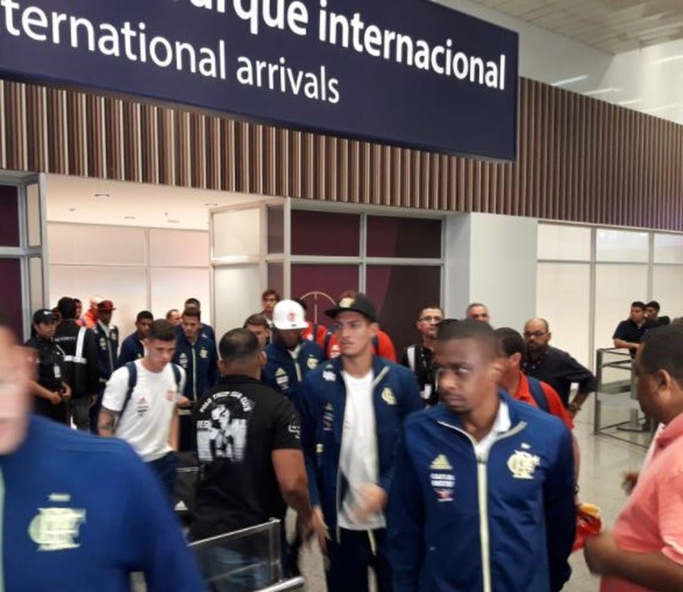 Flamengo desembarque (Foto: Bruno Giufrida)