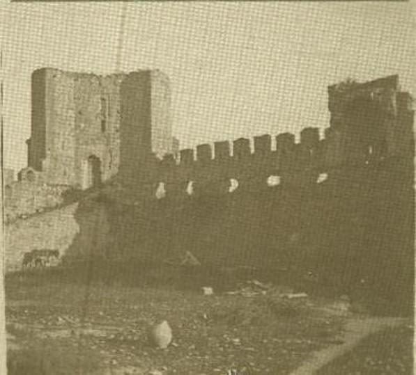 Interior del Castillo de San Servando hacia 1890. Detalle de una fotografía estereoscópica de un burgués anónimo