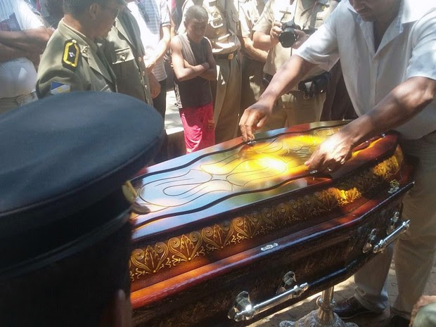 Enterro de sargento 2 (Foto: Ana Paula Rehbein/TV Anhanguera)