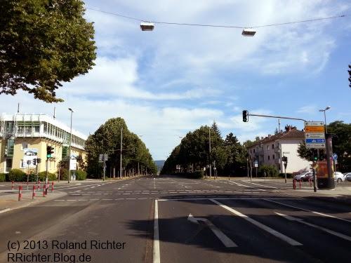 Biebricher Allee in Wiesbaden, Höhe 2. Ring, am 04.08.2013: kaum Autos waren zu sehen.