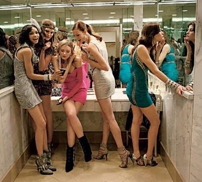 mulheres-banheiro