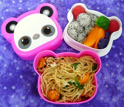 Crab Linguine Bento by sherimiya ♥