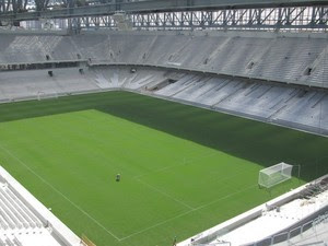 Número de cadeiras instaladas chega a 50% na Arena da Baixada (Foto: Divulgação/Site Oficial do Atlético-PR)