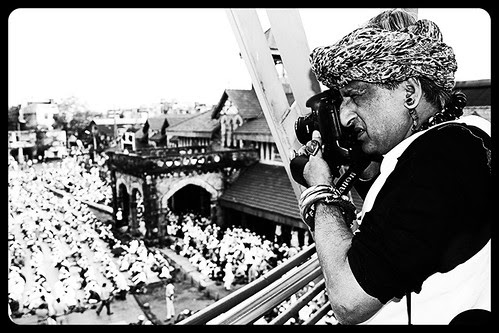 Shooting The Eid Ul Fitr Namaz Bandra Station Road 2013 by firoze shakir photographerno1